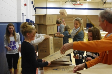 Creston High P.E. class making boxes.